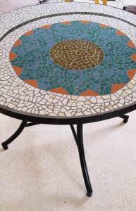 שולחן פסיפס מבטון
